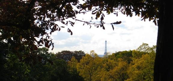 ParisEifelTowerDistance