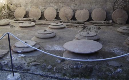 amphora-in-pompeii