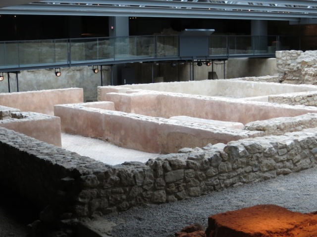 Orderly Roman Baths