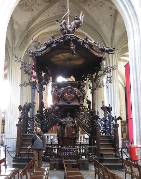 Antwerp wooden pulpit