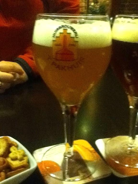 Huisbrouwerij T Parkhuis Nen Bangelijke blond tripel bier Antwerp Belgium